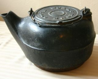 VINTAGE ROME STOVE WORKS NUMBER 8 KETTLE WITH SLIDING LID