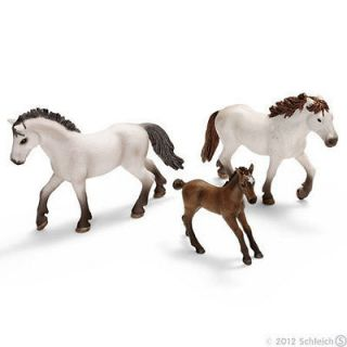 CAMARGUE HORSE FAMILY by Schleich; toy/horses/NEW 2012