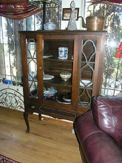 ANTIQUE VINTAGE SOLID WOOD CURIO DISPLAY CHINA CABINET