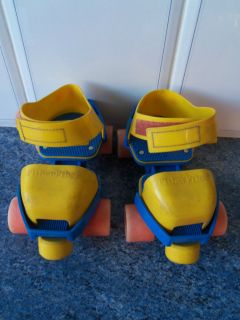 VINTAGE FISHER PRICE TODDLER CHILD ROLLER SKATES ADJUSTABLE