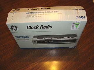 Vintage General Electric GE 7 4634 Electronic Digital AM FM Alarm