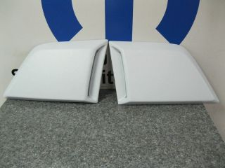08 12 DODGE CHALLENGER FENDER SIDE BODY LOWER BRAKE VENT SCOOPS SCOOP