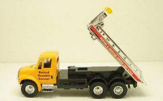 International Flat bed rollback tow truck diecast 5.5 model Yellow