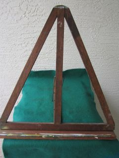 artist easel used in Easels