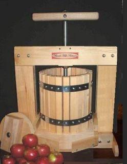 LARGE FRUIT JUICE/WINE/APP​LE CIDER PRESS NEW