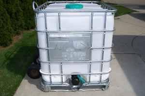 275 Gallon Liquid Storage Tank (Good for Fresh Water)