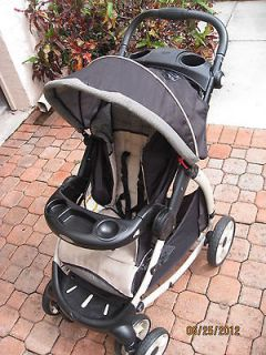 GRACO Stylus Deluxe Travel System Stroller and Snugride 35 infant car