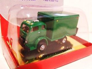 Classic Metal Works CMW 1953 White Cabover Box Delivery Truck   green