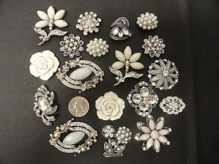 18 WHITE/ CRYSTALS BRIDAL BROOCHES PINS WEDDING BOUQUET WHOLESALE LOT