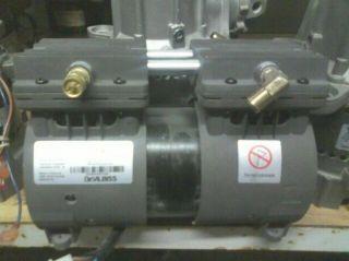 DeVilbiss GSE ZW370D14 Model Vacuum / Compressor AS IS