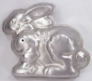 Rabbit Cake Pan Jello Mold 2 Piece Vintage Rice Krispie Centerpiece