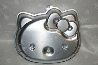 NEW HELLO KITTY SANRIO WILTON CAKE PAN 2105 7575 with insert