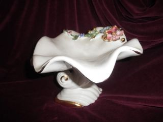 VTG ITALIAN PORCELAIN CAPODIMONTE FRUIT CENTERPIECE FOOTED BOWL WITH