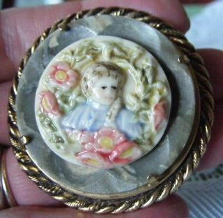Large Goldtone Pin Brooch w Porcelain Hand Painted Lady ~ EUC ~ 1 7/8