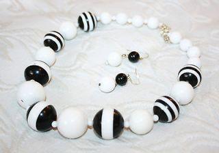 Retro White Black Necklace earrings plastic beads 70s 80s 60s women