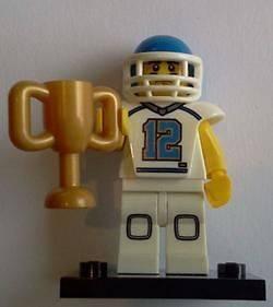 NEW LEGO MINIFIGURES SERIES 8 #5 FOOTBALL PLAYER