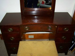 Elegant Antique Mahogany Wood Finish Mirror, Vanity & Bench w Oval