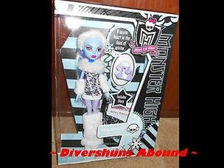 Monster High ABBEY BOMINABLE Abominable Doll Daughter of Yeti Shiver