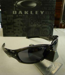 OAKLEY STRAIGHT JACKET SMOKE BLACK IRIDIUM SUNGLASSES AUTHENTIC 04 327