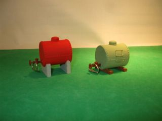On3 On30 TWO SMALL FUEL OIL/GAS STORAGE TANKS BUILT