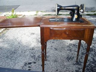 vintage singer sewing machine cabinet in Collectibles