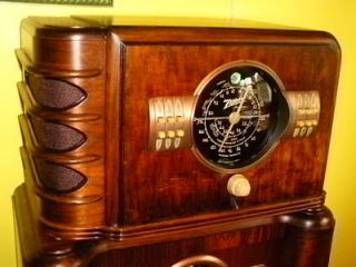 antique Zenith radio in Tube Radios