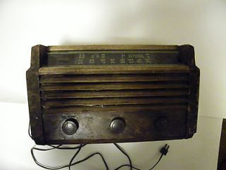 Vintage antique old tube Radio RCA Victor Model 56x5 wood 1946 Free