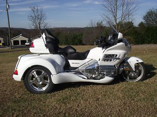 Honda  Gold Wing 05 HONDA GOLDWING GL1800 ROADSMITH TRIKE WITH