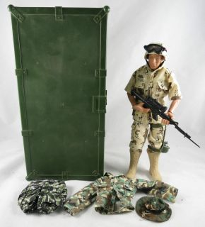 Hasbro 12 GI Joe Plastic Foot Locker w/ Desert Camo Army Figure