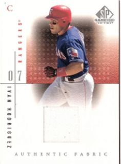 2001 SP Game Used Authentic Fabric IVAN RODRIGUEZ JRSY