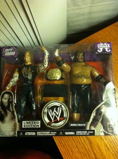 Limited edition Jeff Hardy & Umaga includes gold champion belt & chair
