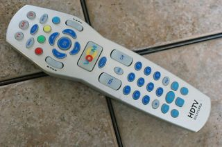 VOOM UR3 SAT CV01 VER 2.0 HDTV CABLE BOX REMOTE