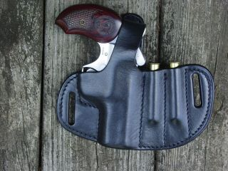 Bond Arms Snake Slayer IV leather holster and extra ammo .45 / 410