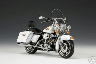 2007 Harley Davidso​n FLHR Road King in White Gold Pearl