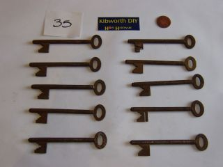 10 ASSORTED INTERESTING OLD VINTAGE CUT KEYS SAFE LOCK DOOR LOT 35