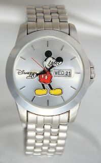 Disney Mens MK2050 Mickey Mouse Watch Silver Tone Metal Day Date