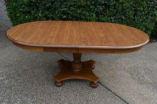 Ethan Allen Vintage Heirloom Maple Round Pedestal Extension Table