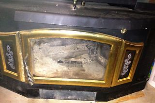 The Earth Stove Fireplace Insert   19700 SW   Solid Wood Fuel Only