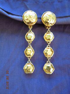 100% Authentic Vintage Chanel CC Logo earrings RARE Goldtone Dangle CC