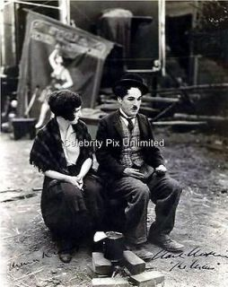 Charlie Chaplin autograph in Entertainment Memorabilia