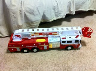 Tonka 328 Fire Truck Model 05786 Approx 3 Feet Long