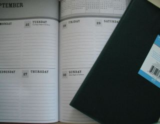 Green Academic Weekly Planner 2013 Calendar 5 x 7 nch Pocket Purse