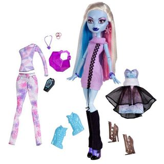 Monster High I Love Fashion Abbey Bominable Doll and 3 Outfits New