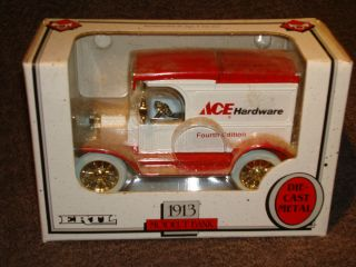 1993 Ertl 1905  Delivery Car Bank 1 25 Scale New in Box