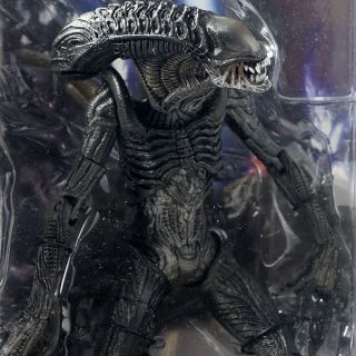 NECA AVPR Hybrid Alien Action Figure Classic Movie