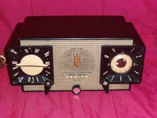 Antique,Vintage,Collectible,Zenith,Tube Radio,Bakelite?,No Reserve