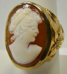 Amedeo Scognamiglio Large Cameo Heavy Large Ring Size 9 25 Goldtone