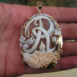 HUGE ANTIQUE STYLE HAND CARVED CAMEO PENDANT ITALY GOLD PL