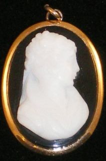Antique Victorian 10K Gold Hardstone Cameo Black & White Carved Agate