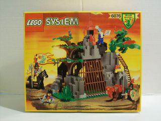 Lego 6076 Dark Dragons Den Dragon Masters Castle w Box